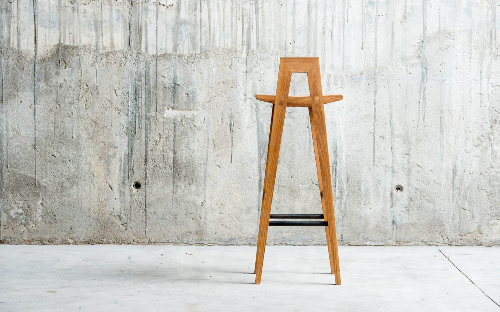 Grable high stool