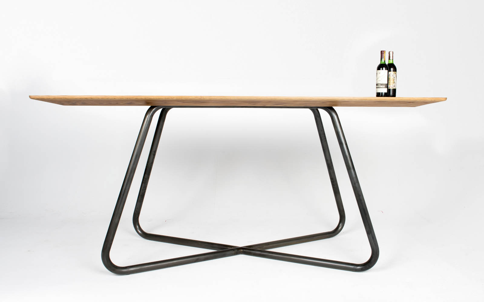 Big Nube Table